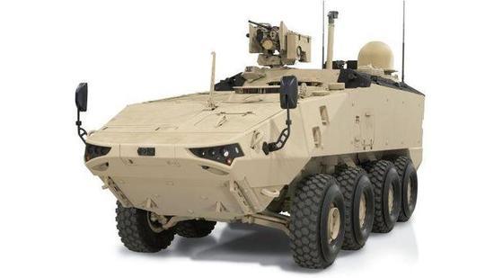 ▲LAV-700装甲车的指挥车型后部安装卫星通讯天线