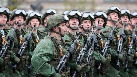 英媒:俄军演将再现苏联规模 中国重兵参演意味深长阿宝色头像男生
