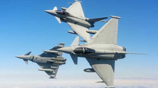 """欧洲""""台风""""战斗机。"""
