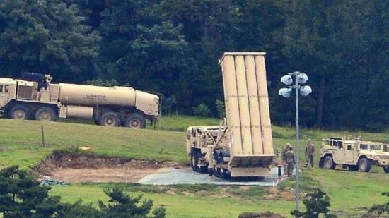 """部署在韩国的""""萨德""""反导系统发射阵地"""