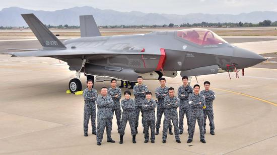日本明年将开始研制五代战机 或是F22和F35的合体