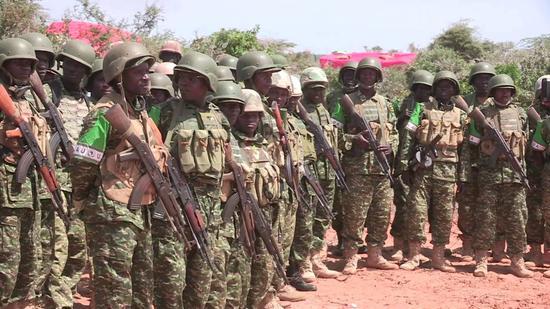 乌干达维和部队都用啥武器?全是中国制造(图)