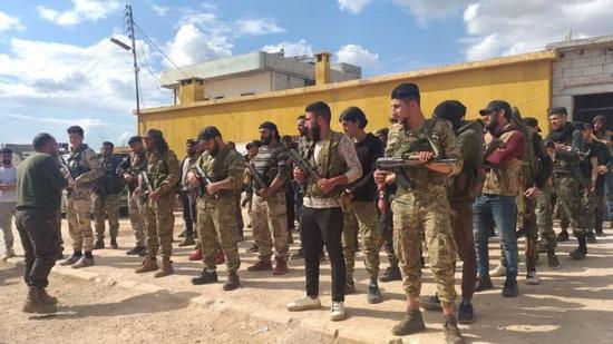 雇佣兵在利比亚失利 叙利亚亲土耳其武装派3千人增援