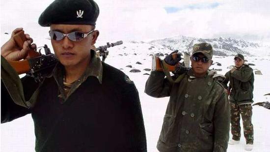 印媒:中国增强在拉达克军事部署 营地出现更多武器