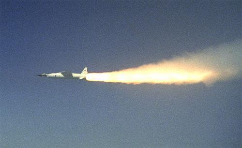 2004年的X-43A看起来都好像很厉害啊……