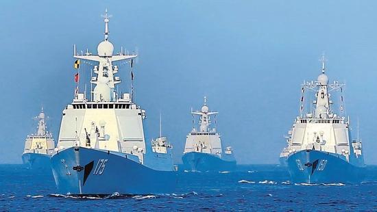 中国南海阅兵编队战力有多强:可拦截上百枚巡航导弹