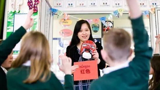 """汉语成""""英国高考""""第三大外语科目 报考人数超德语"""