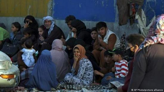 """多次警告""""恐怖主義卷土重來"""" 喀布爾機場為何仍爆炸"""