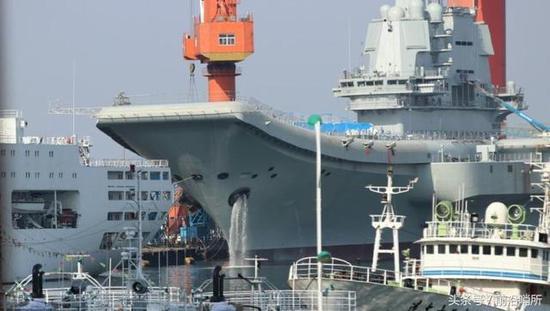 首艘国产航母最新照片