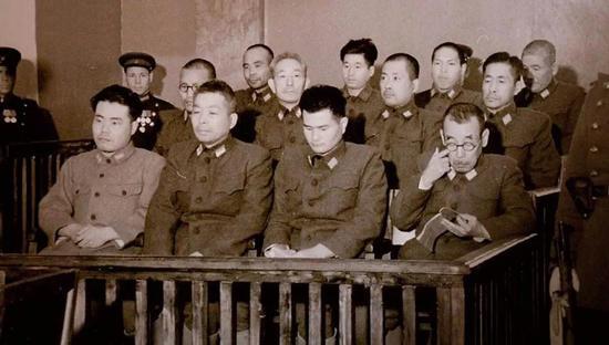 博彩六肖王,医院院长被查、公安局政委被查……广西又有这些官员落马
