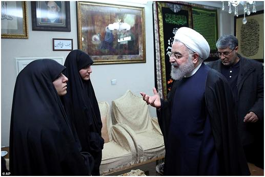 苏莱马尼之女当面问伊朗总统:谁来报我父亲的血仇?
