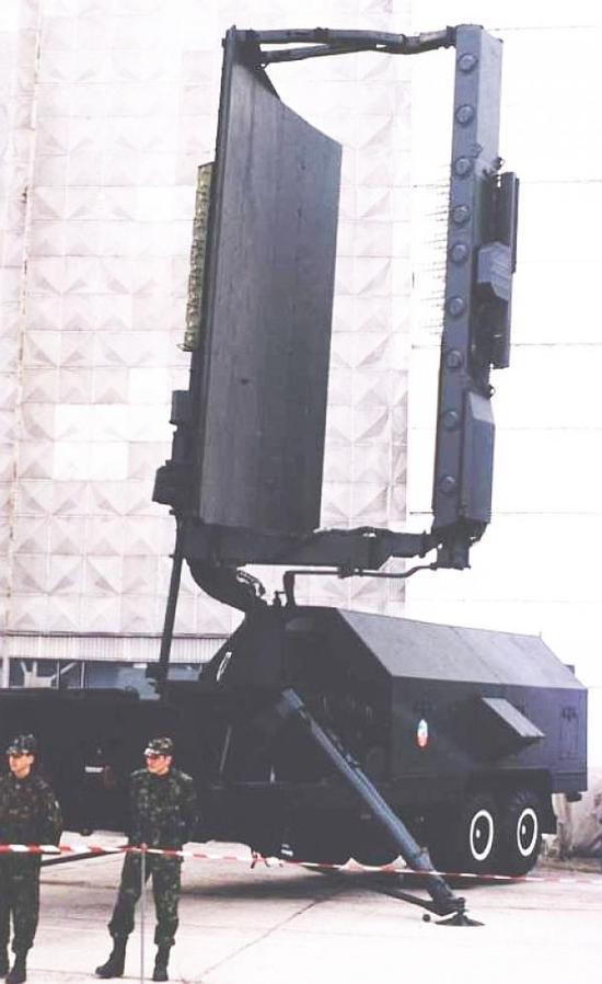 俄40N6导弹亮相防务展准备开售 射程超我红旗9B一截
