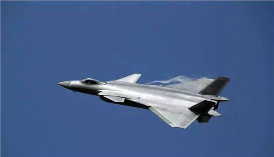 美F35交付300架全球扩散 我歼20数量有限将如何应对