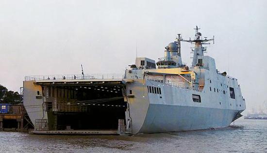 ▲坞舱用于投放登陆艇