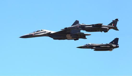 印军:千架军机大演习1架未摔 国产LCA战机表现最好洛克王国刷钱外挂