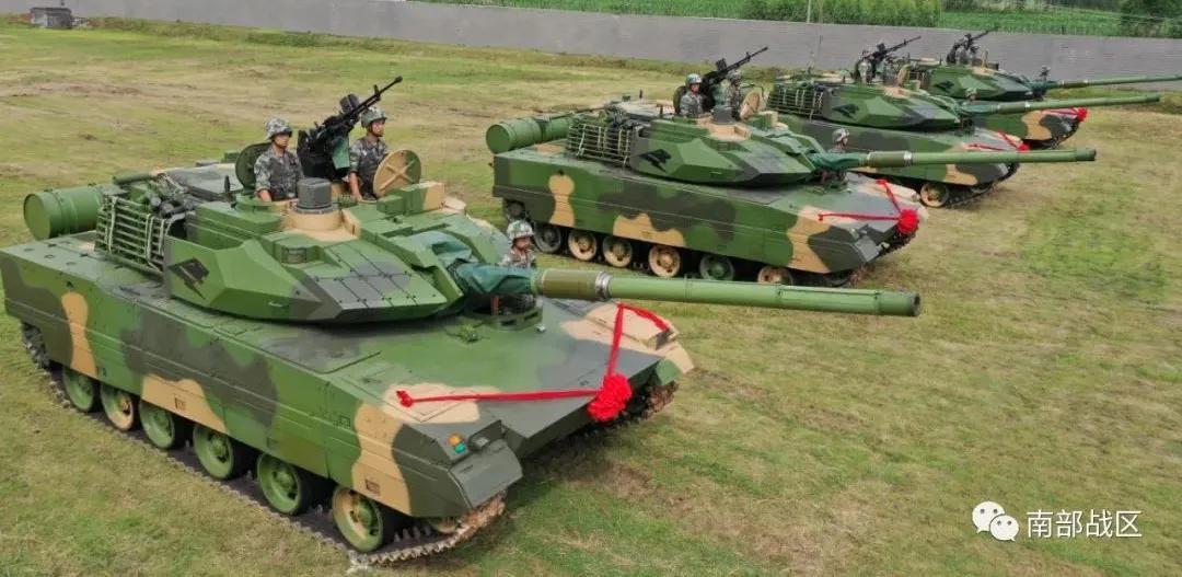 铁甲列阵 塔山劲旅15式主战坦克授装