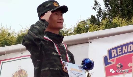 中国枪王首夺世界奖项 外军措手不及因未备五星红旗恒候再生