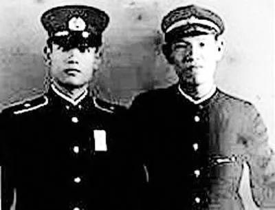 李登辉(右)与其兄李登钦。