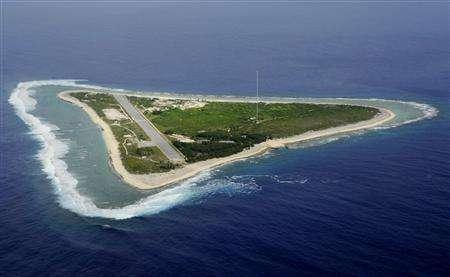 这是南鸟岛,矿藏在岛南方几百公里的海底
