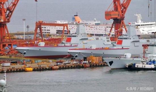 两艘055大型驱逐舰