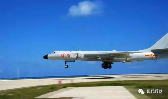 中国轰6K轰炸机起降南海岛礁 标志打击能力全面提升