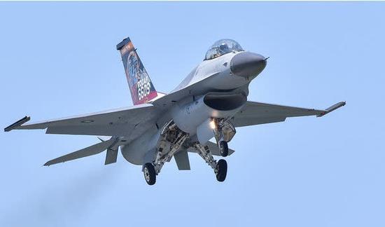 F-16戰機。