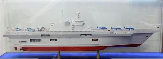 俄罗斯 国产两栖攻击舰