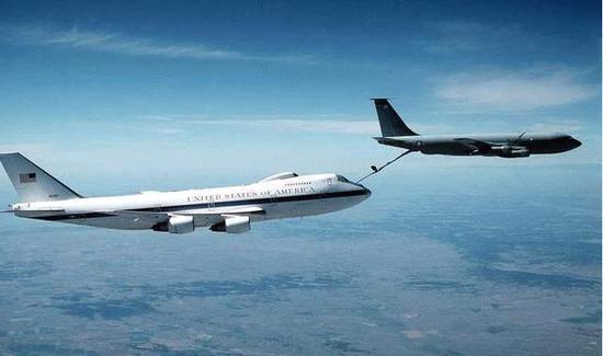 """被称为""""核战末日飞机""""的E4空中指挥机其实跟核战并无直接关系"""