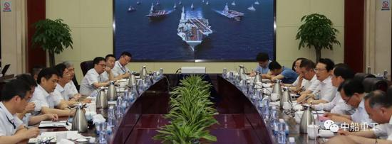 胡问鸣到七〇一所现场办公 图片来源:中船重工官方微信