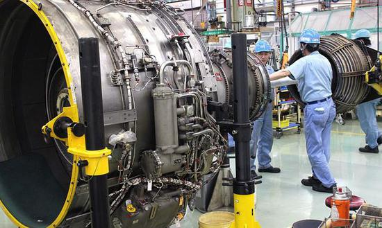 图为IHI的航空发动机工厂。