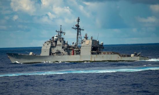 在第一岛链外恐吓中国?美航母战斗群菲律宾海举行演习