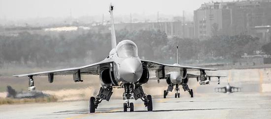 80年代研發的印度LCA戰機有了新目標:2年后形成戰力