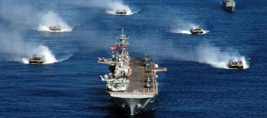 (美国海军现役的91艘LCAC是其两栖登陆快速转运投送的主力)
