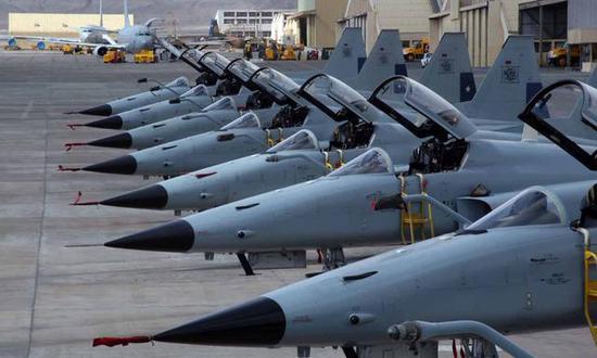 图为智利空军的F-5E机群。