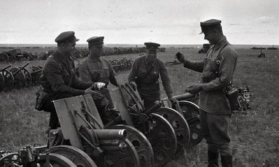 缴获的日本步兵炮