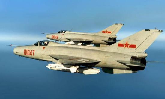 当时中国最先进的歼-7战斗机