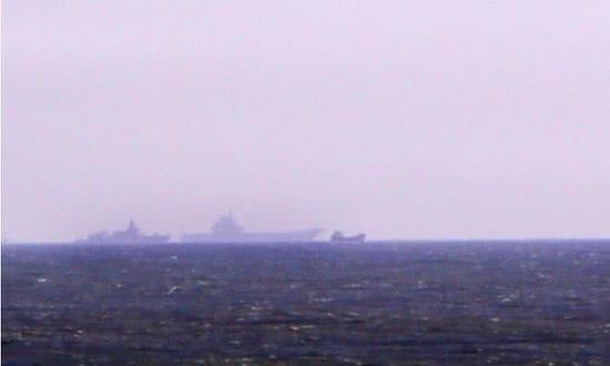 山东舰与万吨大驱同框 疑揭示完整版国产航母编队