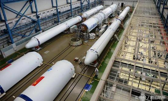 中国火箭组装