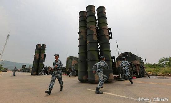 图为我军地空导弹部队主战防空兵器红旗-9