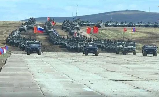 圖爲中俄蒙三國的參演裝備