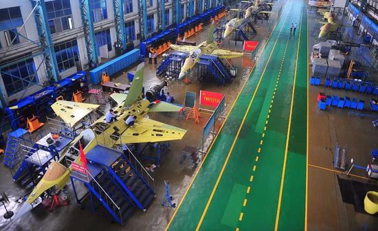 该厂地位仅次成飞和沈飞 5000架战机从这里诞生(图)