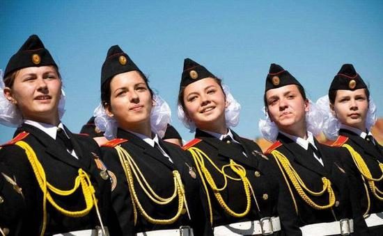 俄罗斯女兵的比例在今天全世界范围内的军队中都算很高的