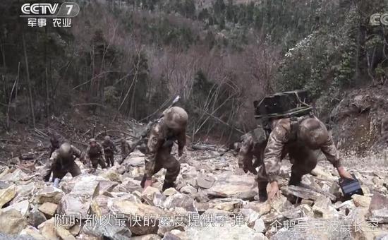 我軍山地連火力排裝備兇猛 實戰訓練考驗官兵體能