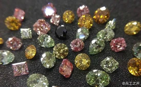 中国军工企业携大型人造钻石亮相国际珠宝展(图)