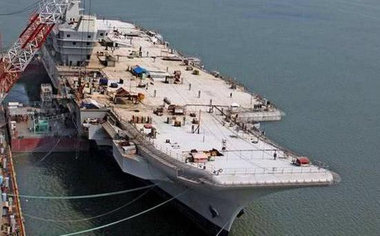 印国产航母舰长:船厂干快点 在中国第3艘航母前交船