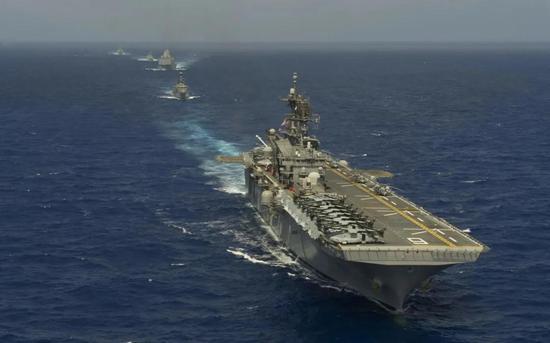 排水量相当于中型航母的076舰 将如何进行航空作战