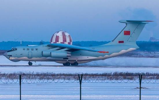 我军装备的伊尔-76运输机