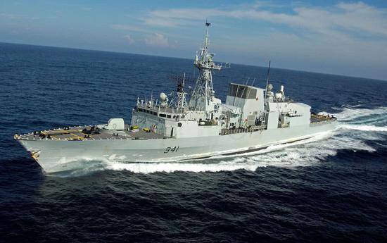 加拿大军舰穿台海 中方:加方刻意高调宣传有何用意