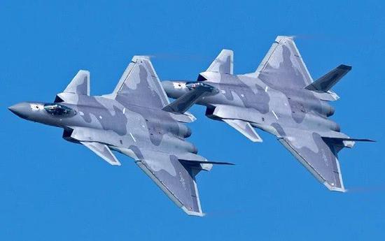 中国今年将大批量生产歼20 还增加一项重要作战能力