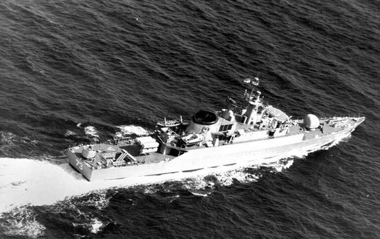 """图片:伊朗海军""""萨巴兰""""号导弹护卫舰。"""